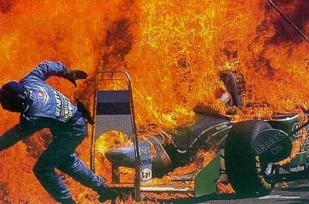 Benetton pit stop fire