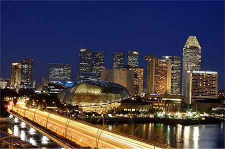 Singapore circuit at night